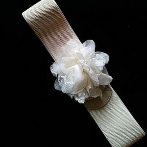 Accessories - Elastic belt w fabric flower/snaps-sz S